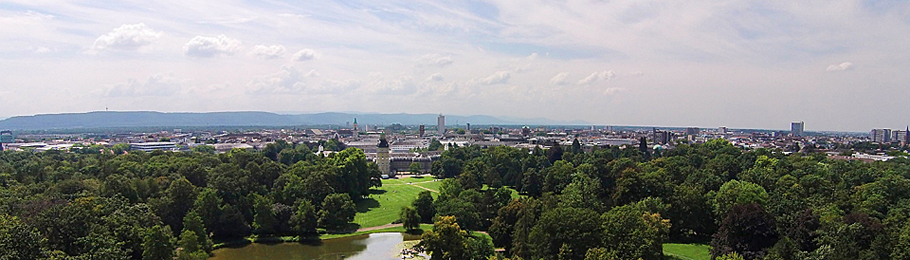Karlsruhe - Schlossgarten, Schloss, Stadt und Schwarzwald